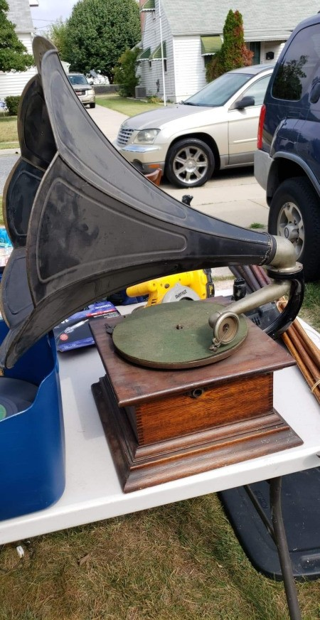 Value of an Antique Record Player