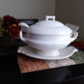 Value of a Homer Laughlin Soup Tureen - white tureen with lid, ladle, and base dish