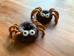 Halloween Spider Donuts - two donut spiders