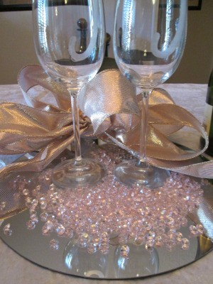 Using Mirrors For Your Wedding Table
