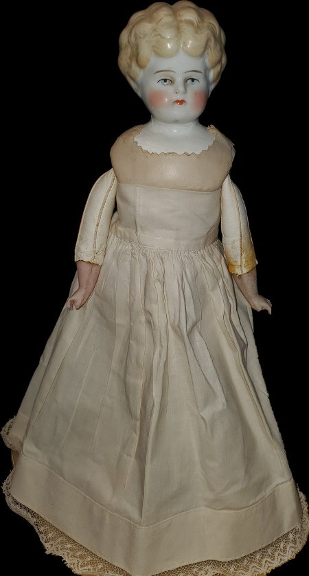Identifying a Porcelain Doll - doll with dress removed