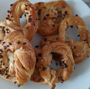 Seasoned Pretzel Twists
