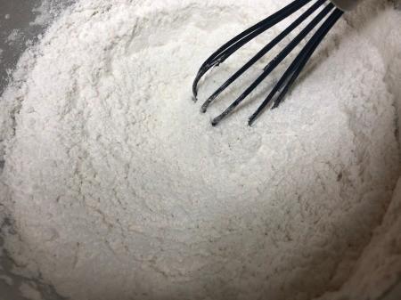 mixing flour powders