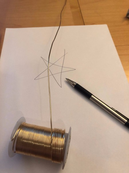 DIY Wire Star Christmas Tree Topper - unroll wire