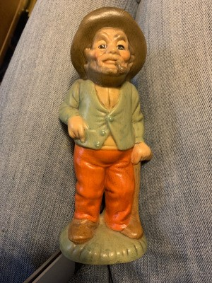 Identifying a Figurine - old man wearing a sweater and hat and smoking a pipe