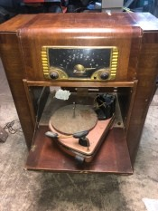 Value of a Zenith Cabinet Turntable and Radio - cabinet radio with a drop door with a swing out turntable