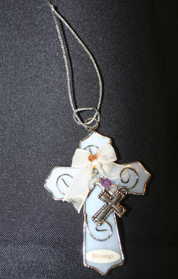 Pendant Ornaments - pulling up cinch on cord
