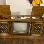 Repairing a Vintage Magnavox TV - console TV