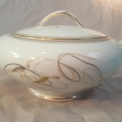 Value of a Noritake Tea Set - sugar bowl