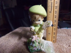 Identifying a Precious Moments Figurine  - artist figure