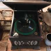 Estimated Value of a CeceliaAntique Phonograph - tabletop phonograph in a lidded cabinet