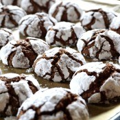 A plate of chocolate crinkle cookies.