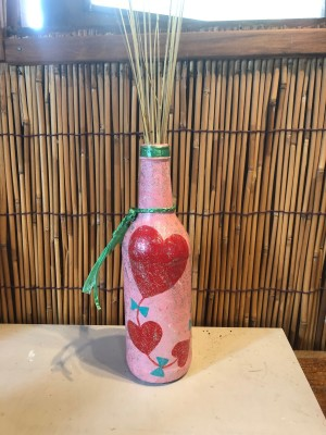 Valentine Hearts Kite Vase - finished bottle with stems in it