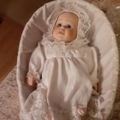 Identifying a Geppeddo Doll - baby doll in a basket