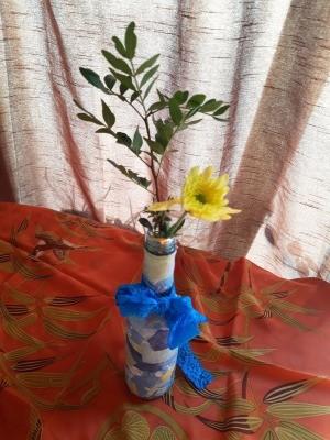 Fabric Covered Specimen or Bud Vase - closeup of finished vase with yellow daisy like flower