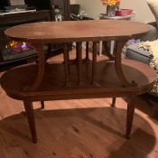 Identifying a Vintage Table - two tier oval table