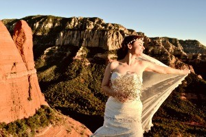 A bride with the Arizona cliffs in the background.
