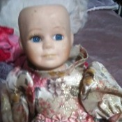 Identifying a Collectors Choice Doll - doll missing its wig