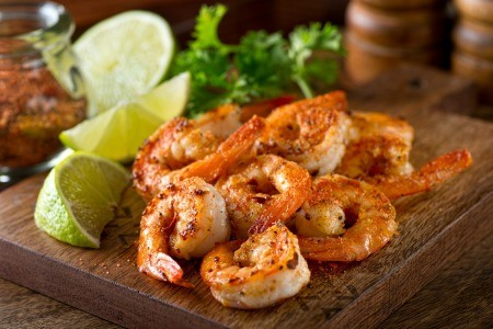 A pile of spicy grilled shrimp.
