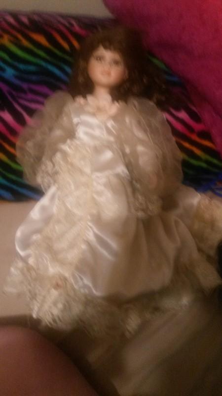 Value of Dandee Porcelain Dolls