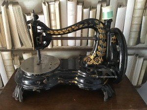 Buying a Shuttle for a Jones Serpentine Hand Crank Sewing Machine - antique sewing machine