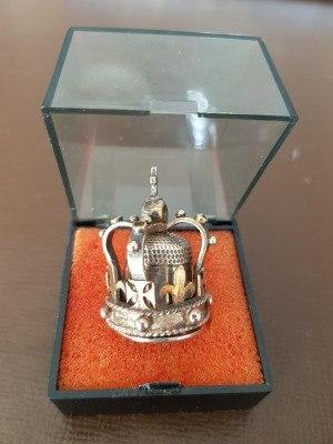Value of a Silver Thimble with Jeweled Crown - thimble with cover in plastic case