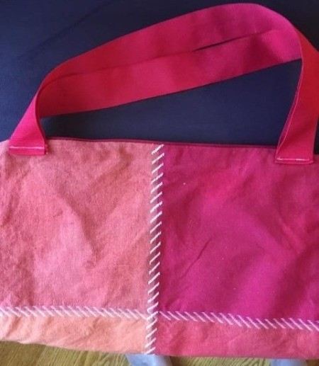 Ten Minute Thrifty Tote - ribbon straps sewn to the top of the pillow case