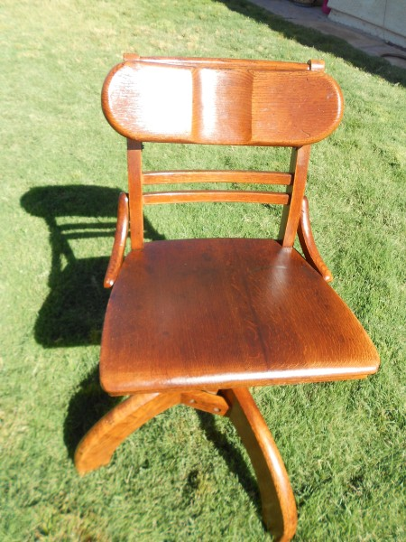 Age and Value of a Murphy Desk Chair