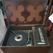 Value of a Vintage Magnavox Record Player - turntable and radio in a flip top box