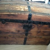 Age and Maker of an Old Wooden Trunk? - old wood trunk