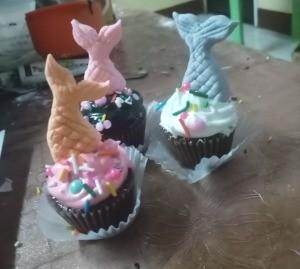 Mermaid Tail Cake Topper (Gumpaste) -cupcakes with mermaid tails