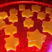 A plate of star shaped apple cider vinegar gummies.