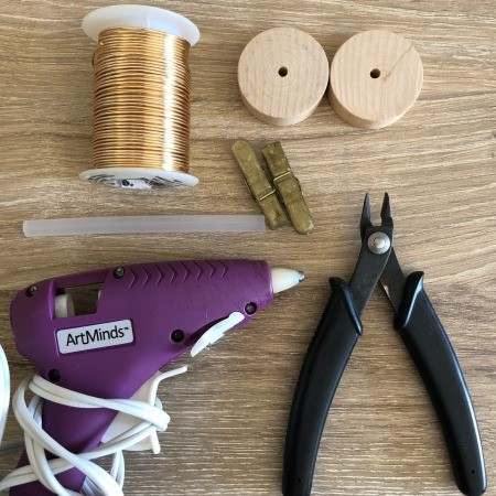 Minimalist Clip Desk Decor - supplies
