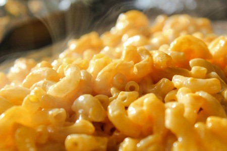 A plate of macaroni and cheese.
