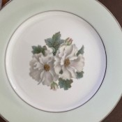 Identifying Noritake China? - two white flowers surrounded by a silver interior and plate edge