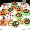 A plate of creepy Halloween decorated cupcakes.