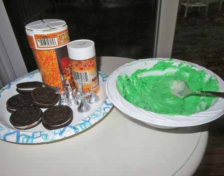 Ingredients and icing for cupcakes.