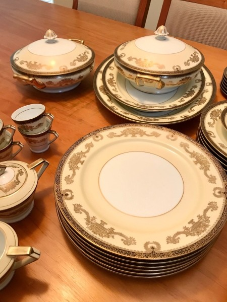 A collection of Noritake china.