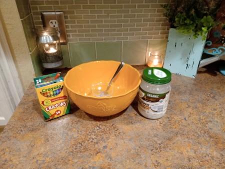 DIY Crayon Lipgloss - mixing bowl and ingredients