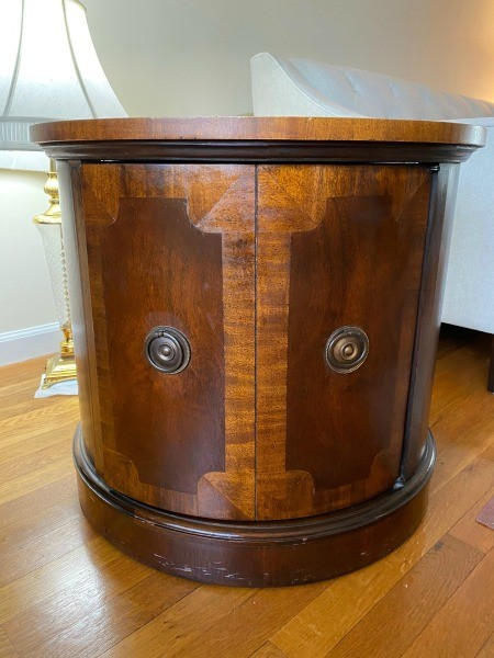 A side table that opens up.