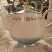 Value of a Homer Laughlin Teapot? - white teapot with gold trim