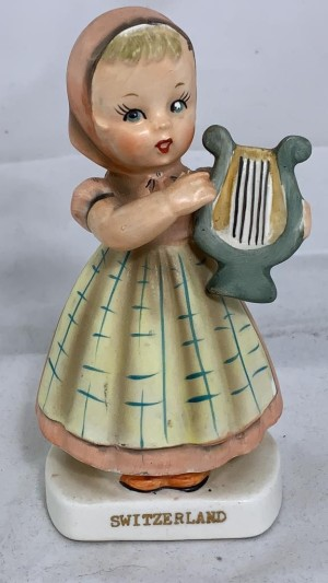 Identifying a Figurine? - girl playing a lyre