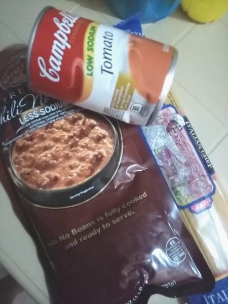 Ingredients for quarantine style pasta.
