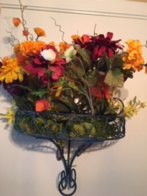 The completed flower arrangement.