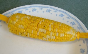 Microwave Corn on the Cob for One