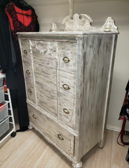Information on Chest of Drawers?