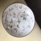 A flowered china plate.