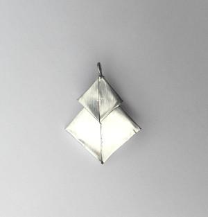 The finished aluminum pendant.
