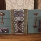 A decorated Key and Wallet Holder Decor