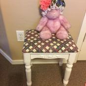 The finished upcycled stool.